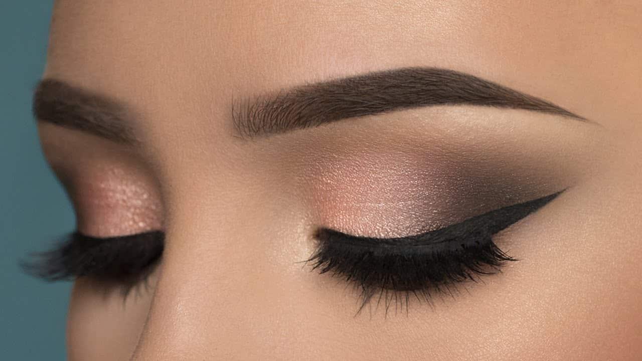 Cek-tingkat-ketahanan-eyeliner