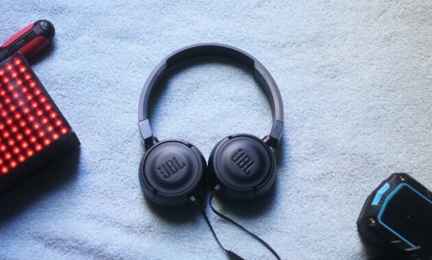 JBL-Headphone-On-Ear-T450