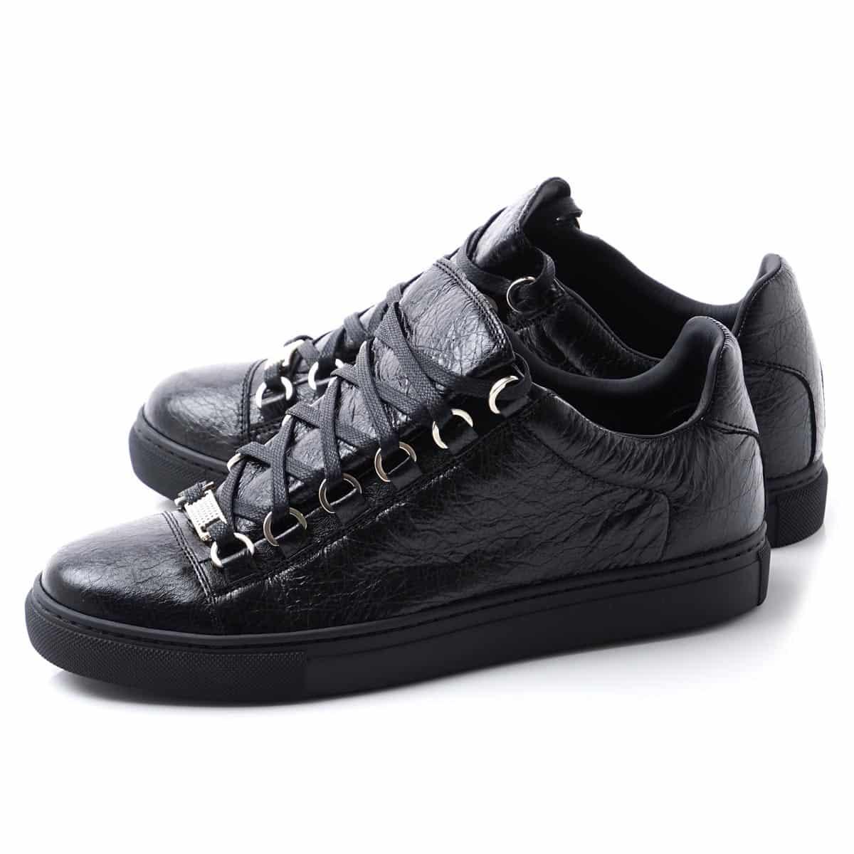 Pertimbangkan-kenyamanan-sepatu-dengan-kaki-Anda