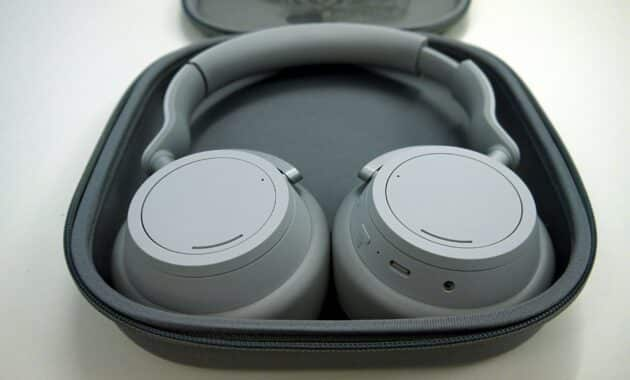 Pilih-Headphone-yang-Memiliki-Masa-Garansi-serta-Part-Penggantinya