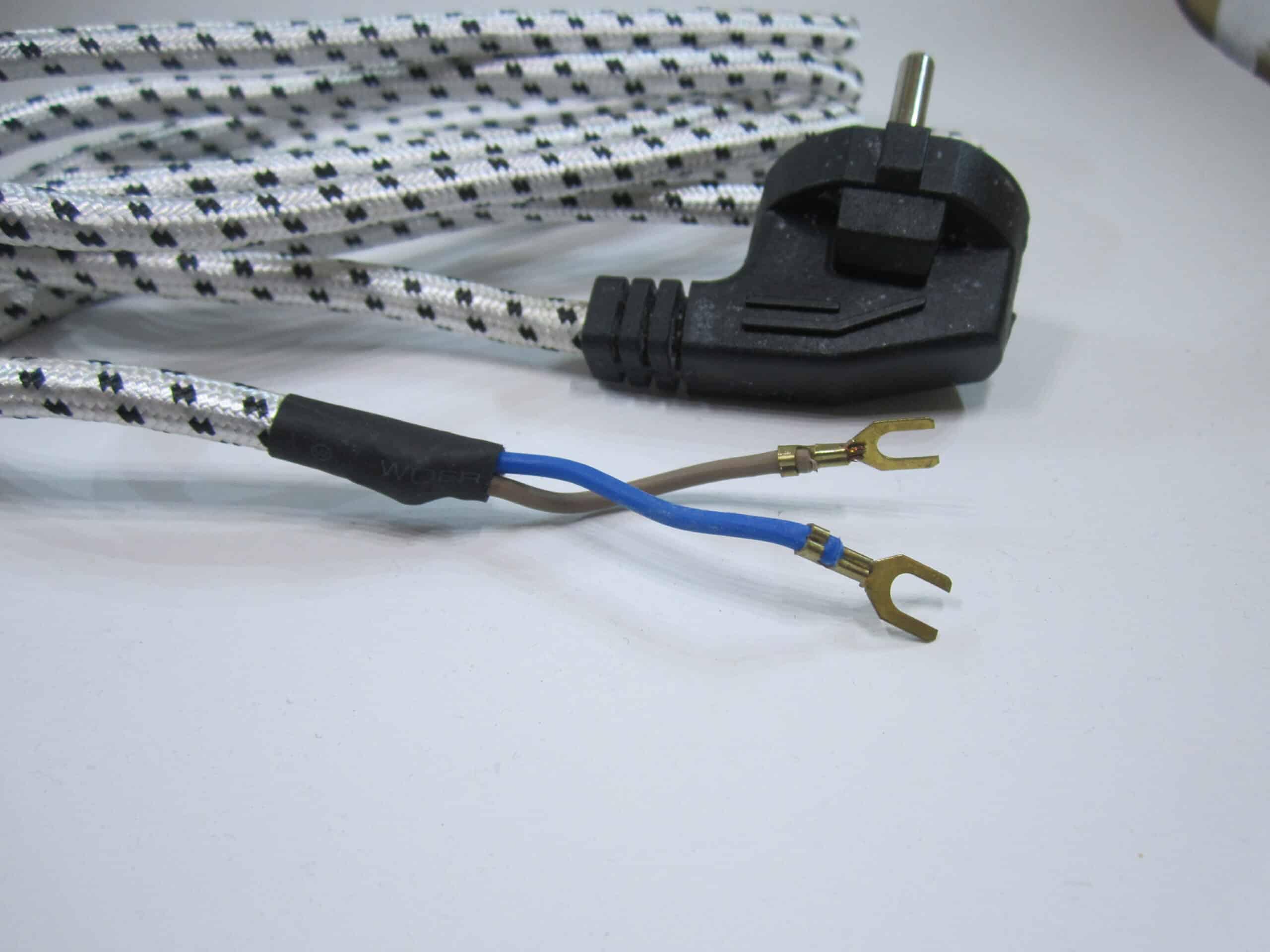 Pilih-Setrika-dengan-Panjang-Kabel-Sekitar-17-2-Meter
