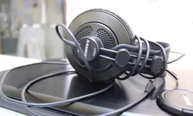 Samson-SR850-Studio-Headphones