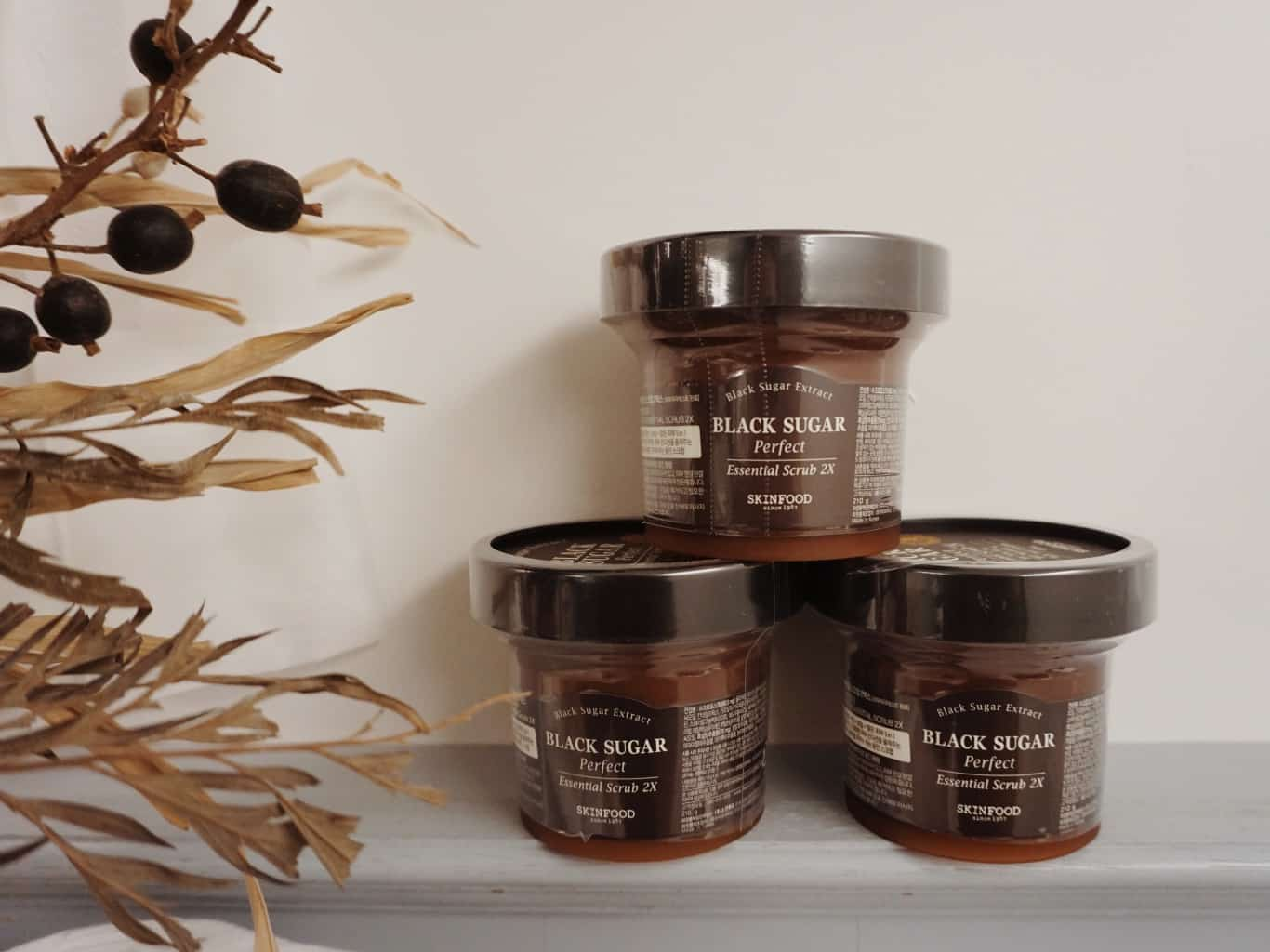 Skinfood-Black-Sugar-Perfect-Essential-Scrub-2X