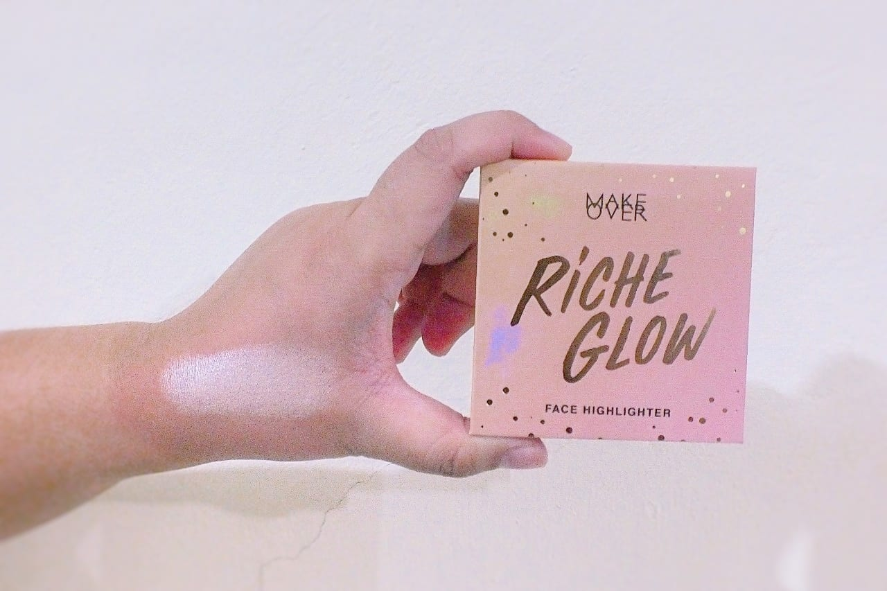 Make-Over-Riche-Glow-Highlighter