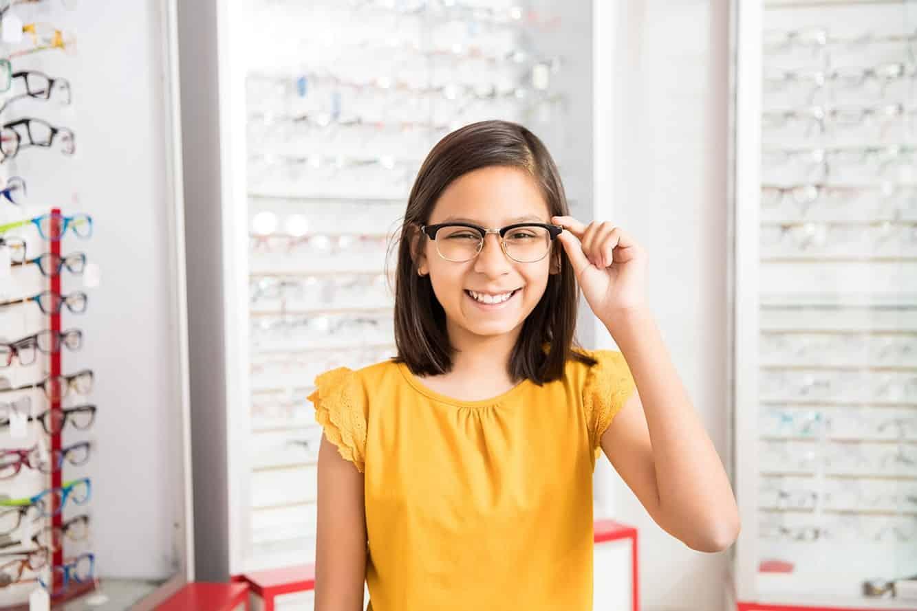 Pilih-yang-Tersedia-di-Toko-Kacamata-Terdekat