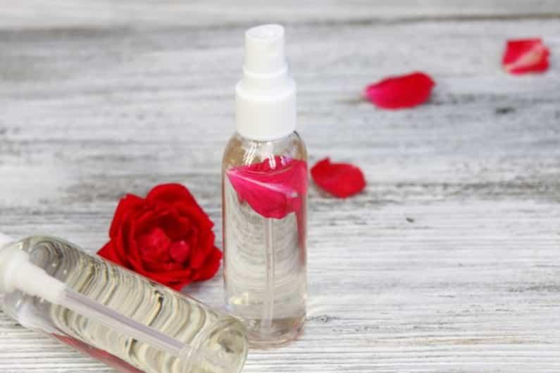 tips-memilih-air-mawar