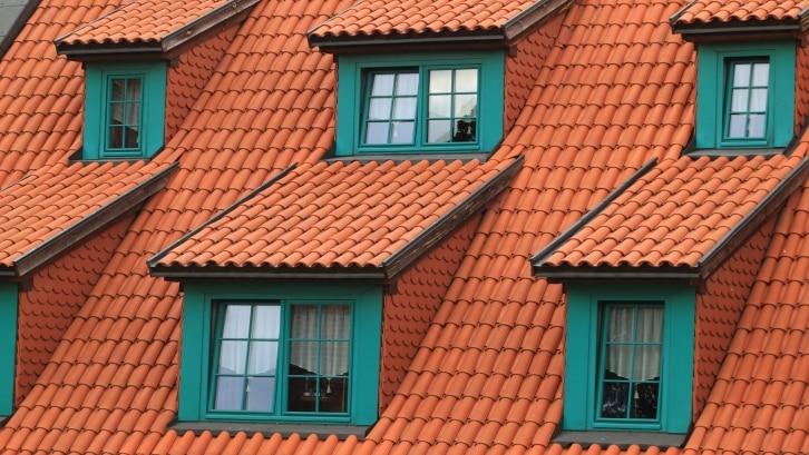 Pertimbangkan-Warna-Cat-Genteng-dengan-Keseluruhan-Eksterior-Rumah