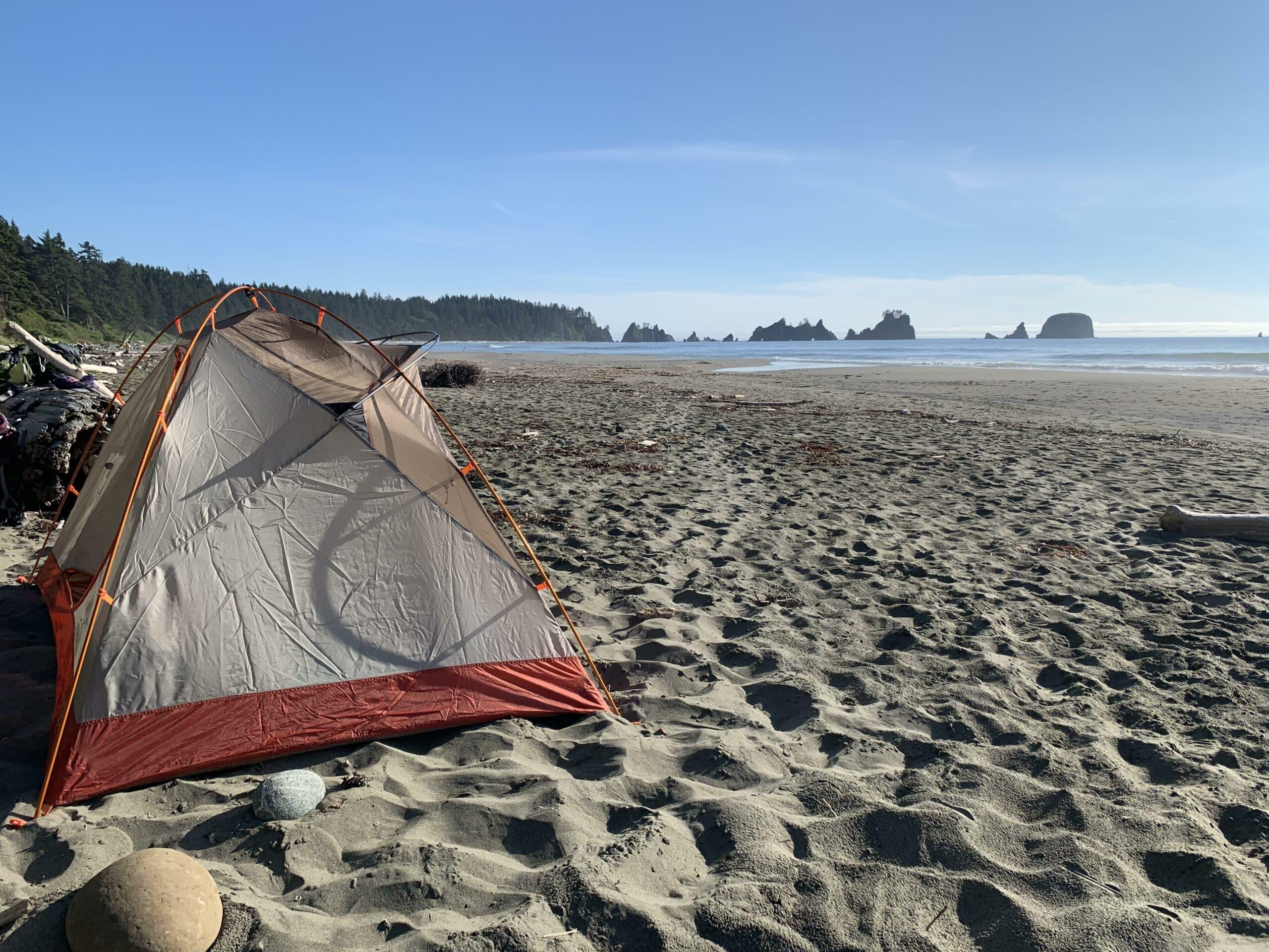 Pilih-Bahan-dan-Juga-Warna-Tenda-yang-Dapat-Menahan-Sinar-Matahari