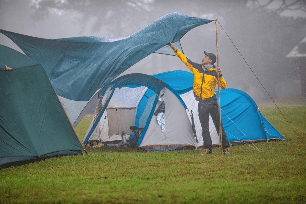 Pilih-Tenda-dengan-Bahan-yang-Waterproof